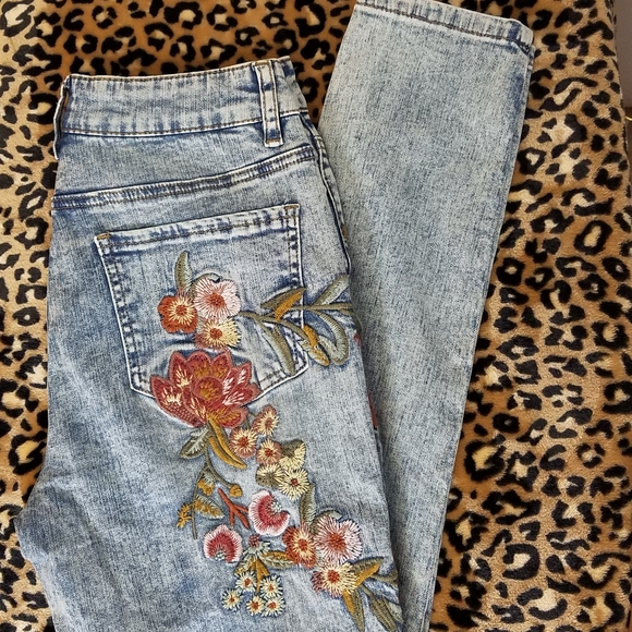 hippie laundry Denim - Hippy Laundry Jeans High Rise Skinny Embroidered